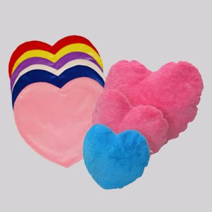 הדפסה על כרית קטיפה לב-ליצ'י מתנות